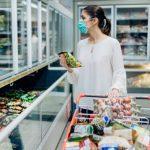 Frika nga COVID-19: Nga buka tek frutat dhe ushqimet e paketuara, ç'duhet të bëni pasi i blini